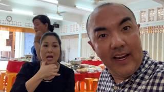 Quốc Thuận và các nghệ sĩ cúng 49 ngày Nghệ Sĩ Anh Vũ