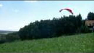 preview picture of video 'paraglide - broken leg - don't walk -fly!'