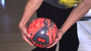 1-handed vs. 2-handed bowling