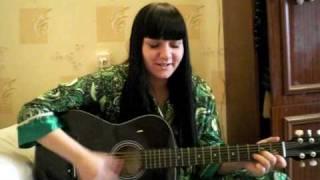 15 лет или малолетка-2. Игра на гитаре. Ира Ежова
