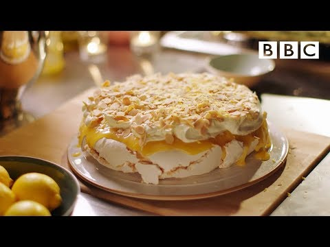 Video Lemon pavlova recipe - Simply Nigella: Episode 6 - BBC Two