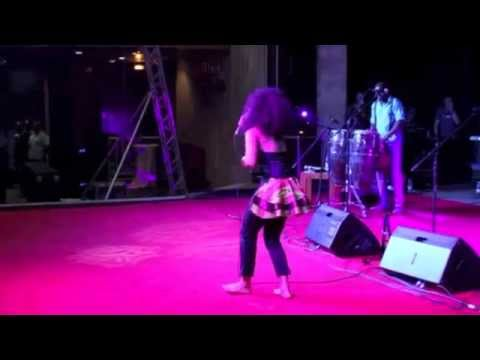 AMMARA BROWN RECEIVES STANDING OVATION FROM TUKU