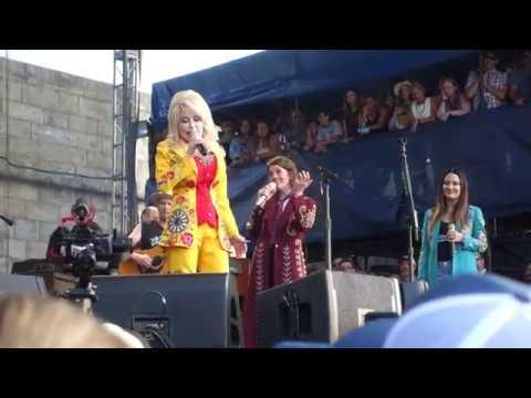 """Jolene"", Dolly Parton and the Highwomen, Newport Folk, 7/27/2019"
