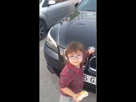 Ver vídeoSíndrome de Down: Violeta y las marcas de los coches