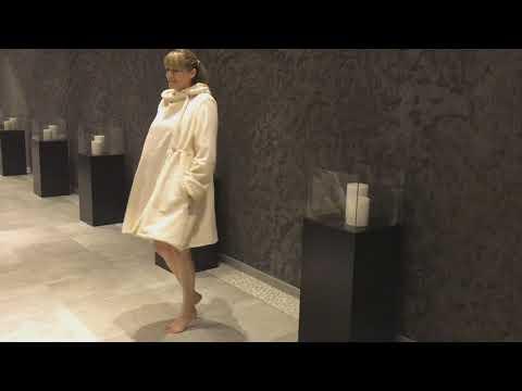 Designer Luxus Bademantel | Saunamantel kurz | VONNESLHO SWING|BIO Baumwolle