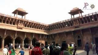 preview picture of video 'The Shahjahani Mahal, Red Fort - Agra'