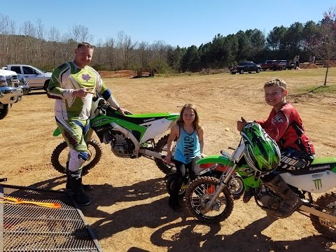 Taking the kx 450f the KX 65 the SSR 110DX little girl ride pocket bike!