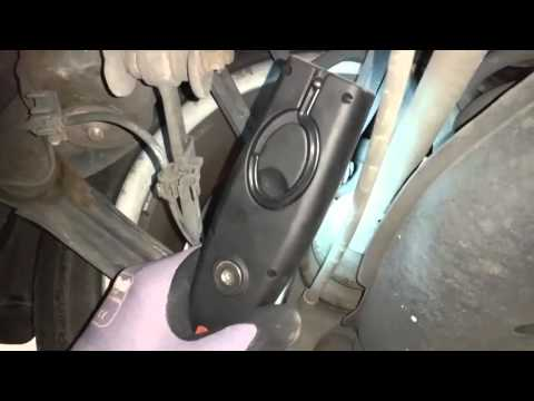 MERCEDES W210- сильные и слабые стороны. Часть 1: Осмотр на подъемнике.