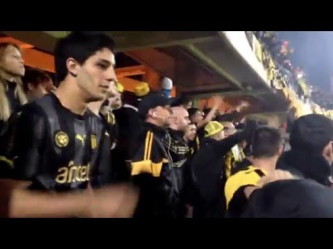 """""""Recibimiento  Peñarol VS Danubio clausura 2016."""" Barra: Barra Amsterdam • Club: Peñarol"""