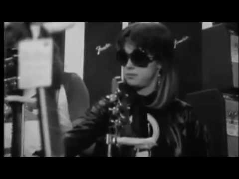 Suzi Quatro - All Shook Up Music Video