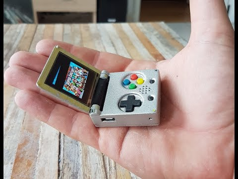Keymu Demo  – open source keychain-sized gaming console