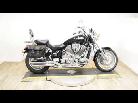 2002 Honda VTX1800C in Wauconda, Illinois - Video 1