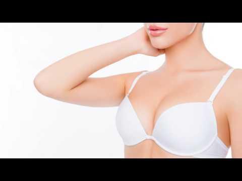 Andschelina dscholi hat die Operation nach der Abtragung der Brüste gemacht