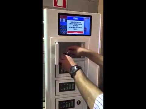 Maquina vending recarga baterías de celular y smartphone
