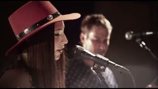 "Angela Perley & The Howlin' Moons ""Ghost"" live at Brothers Drake"