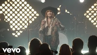 Florence + The Machine - Dog Days Are Over (Live from iHeartRadio Theater New York City) - Video Youtube