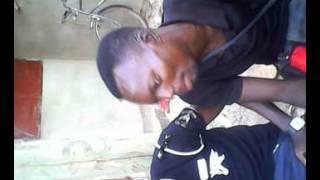 preview picture of video 'ALI CISSE feat SOW ..rien ne bouge au pays.togo.pays de paix'