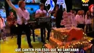 Luis Fonsi junto a David Bisbal y Axel - Que canten los niños
