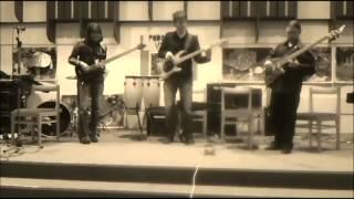 Video Bass trio summertime