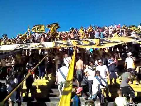 """Almirante Brown Vs Aldosivi. Meta ritmo De La Banda Mostruo (2/8)"" Barra: La Banda Monstruo • Club: Almirante Brown"