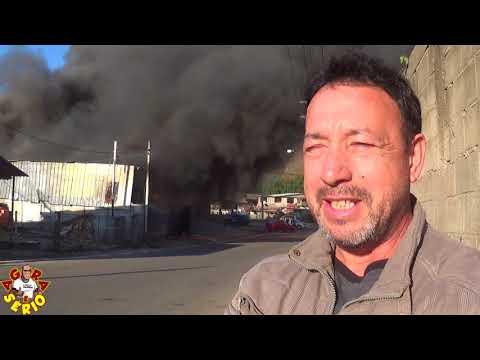 Defesa Civil de Juquitiba isolando a área  do Incêndio