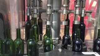 Wijnbottelen bij Cave Le Petit Pigeonnier