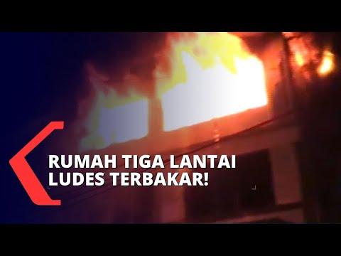 Kebakaran Melanda Rumah 3 Lantai di Senen, Warga Panik!