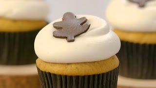 Try This Fall-Favorite Pumpkin Spice Cupcake Recipe!