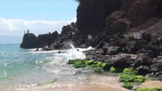 preview picture of video 'Kaanapali Beach Black Rock Jump'