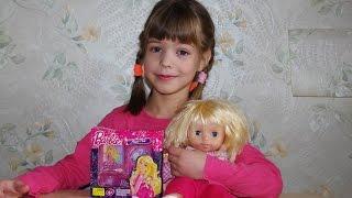 Набор детской косметики: девочка красится сама и красит куклу. Первый макияж.
