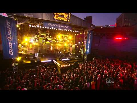 KoRn - Oildale (Leave me alone) (Live at Jimmy Kimmel show 2010)