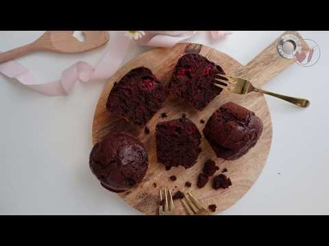 Chocolate Muffins with Raspberries (in German)