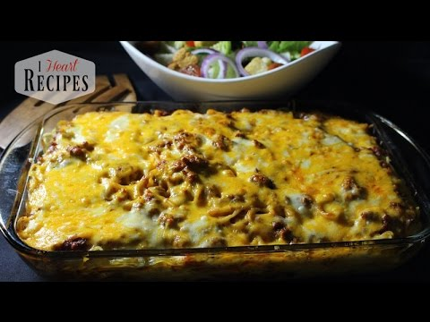 Layered Baked Spaghetti - Easy Dinner Recipes - I Heart Recipes