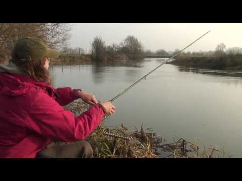 Martin Bowler fisker døbel om vinteren
