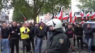 preview picture of video 'Naziversammlung vor dem neuen SZ in Dortmund am 23.08.2014'