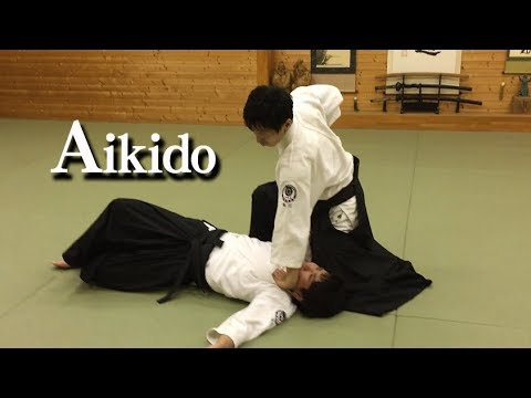 Dynamic and elegant martial arts ‐ Aikido - YouTube