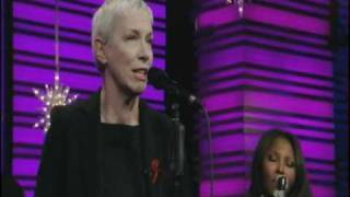 Annie Lennox SEE AMID THE WINTER'S SNOW (live + interview)