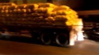 preview picture of video 'Patana cargada de arroz se daña en medio de la Avenida Duarte de Navarrete'