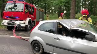 Wideo1: Wypadek na DK12. Ford fiesta wypadł z drogi