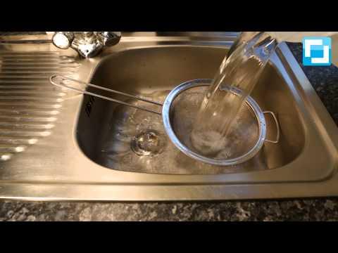 Do it yourself: Küchensieb beim Wasserwechsel