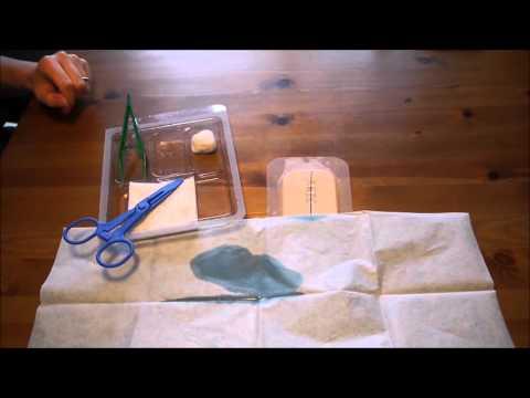Détersion d'une plaie chirurgicale + Ablation d'agrafes