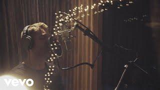 Brett Young - O Holy Night - Video Youtube