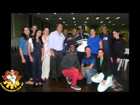 Rapper Kurtis Blow visita Escola de Bailado de Taboão da Serra