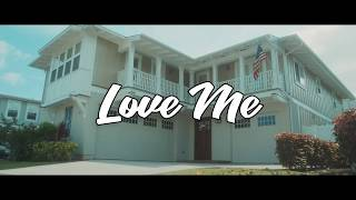 Gambar cover Fia - Love Me (Official Video)