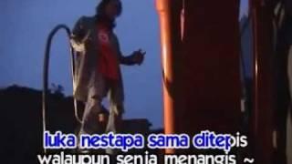 Download lagu Febian Senja Menangis Mp3