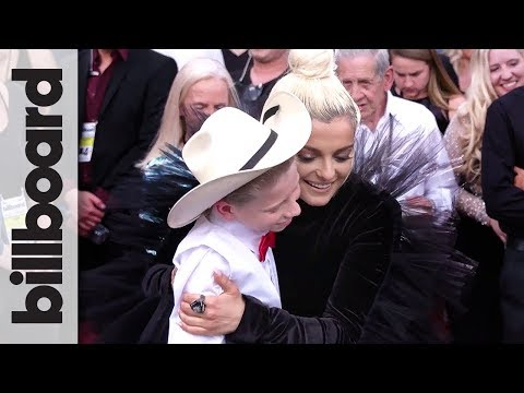 "Bebe Rexha & ""Yodeling Boy"" Mason Ramsey Sing 'Meant To Be' 