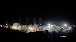 Смотреть онлайн Китайцы подорвали 19 домов сразу