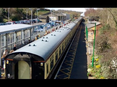 LNER A1 60163 'Tornado' passes Templecombe with 'The Devon B…