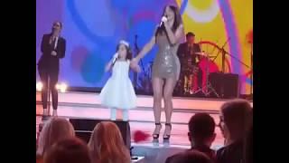 Ани Лорак с дочкой Софией - Обними меня Vegas City Hall 14 06 2017