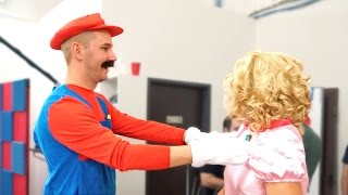 Mario Is In Love With Princess Peach!